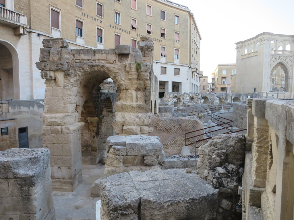 ruínas de um anfiteatro romano