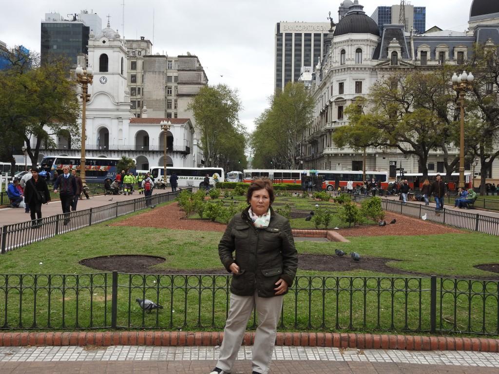 plaza de mayo , tristemente célebre.....e mesmo em frente ao palácio da presidenta !!!