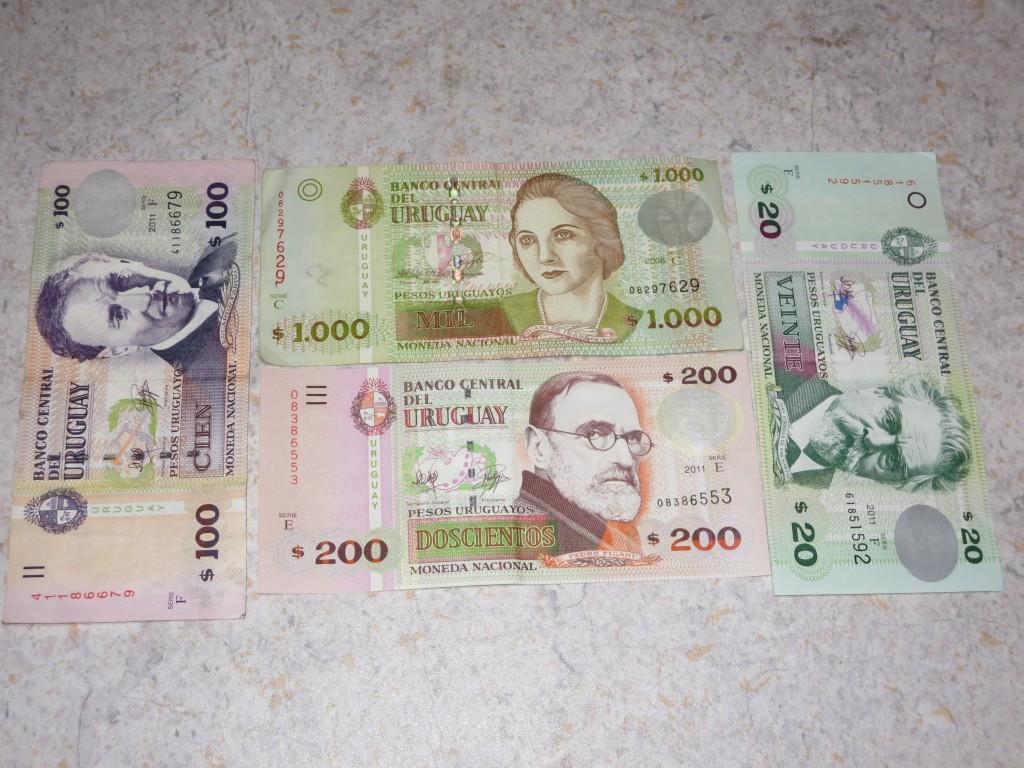 1 € = 30 pesos uruguaios
