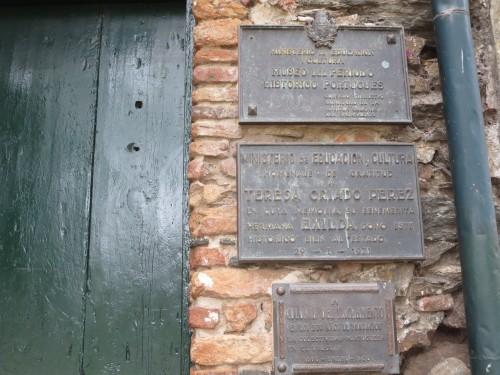 existe um museu português , relativamente interessante , embora com muitas reproduções e poucos originais