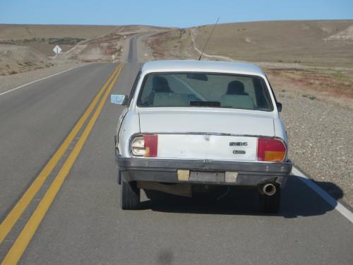 este também está jeitoso..... ; e preocupavam-se os polícias com o meu pneu à frente da AC .....