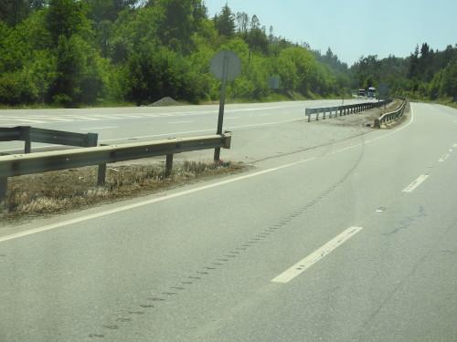 eu nunca tinha visto uma auto-estrada com inversão de marcha.....