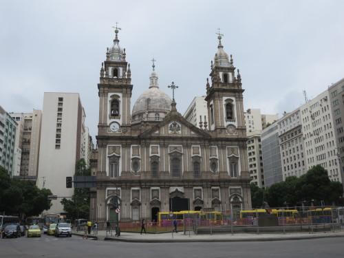 talvez a igreja mais famosa do RIO : NOSSA SENHORA DA CANDELÁRIA