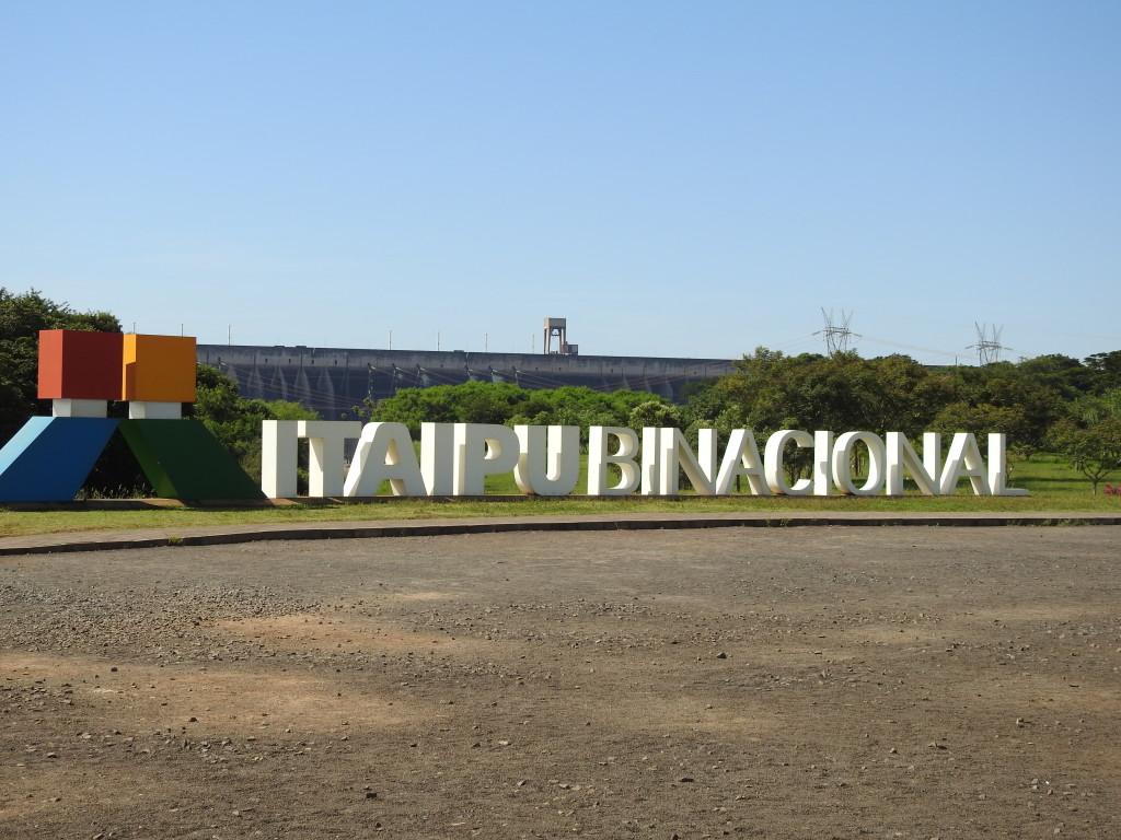 a propriedade da barragem é de 50% cada Brasil e Paraguai