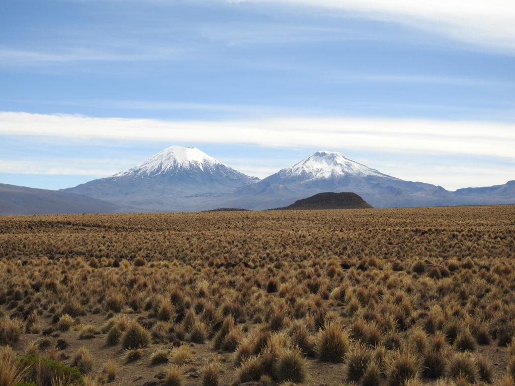 as montanhas gémeas , não longe do monte Sajama