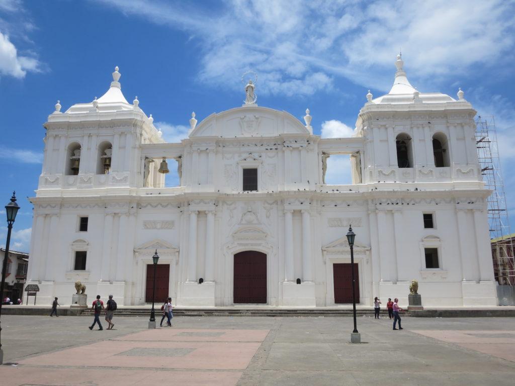 a enorme catedral de LEÓN